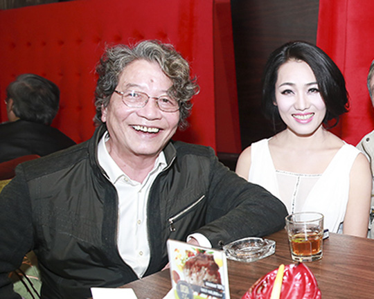Ông tỏ ra rất hài lòng với giọng hát Minh Thu