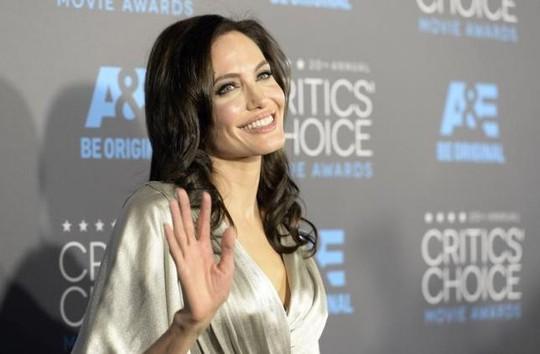 Angelina Jolie làm phim về cuộc chiến chống Khmer Đỏ