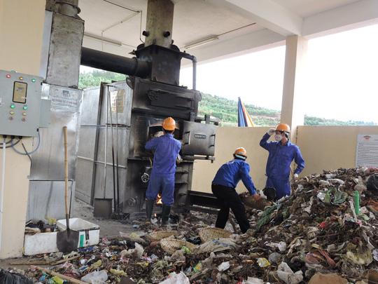 Xây nhà máy rác hàng chục tỉ, Lý Sơn vẫn... nồng nặc