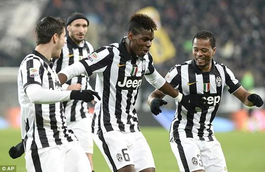 Cazorla, Pogba ăn mừng bàn thắng như vũ công