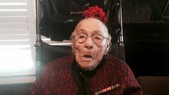 Bà Weaver mong Tổng thống Barack Obama sẽ đến dự tiệc sinh nhật thứ 117 của mình trong tháng 7. Ảnh: REUTERS