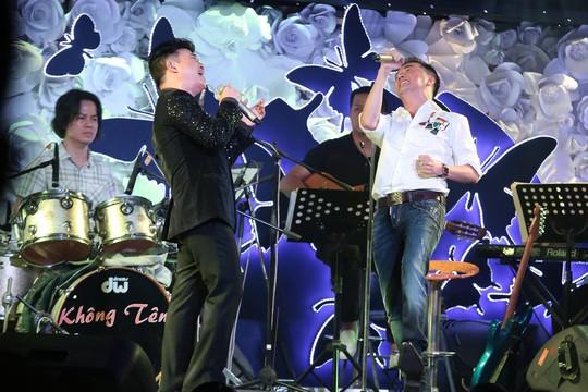 Màn song ca máu lửa của Đàm Vĩnh Hưng và Quang Linh