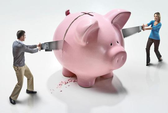 Minh bạch tài chính là một trong những cách bảo vệ hạnh phúc gia đình. Ảnh: Corbis