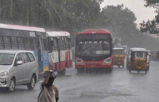 Mưa xuất hiện ở Hyderabad hôm 31-5. Ảnh: thehansindia.com