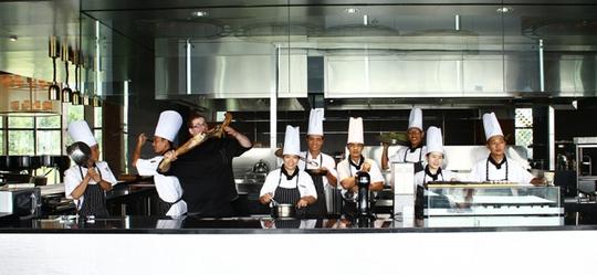 Trong bếp của đầu bếp Raphael Szurek, Nhà hàng French Grill (Hà Nội)