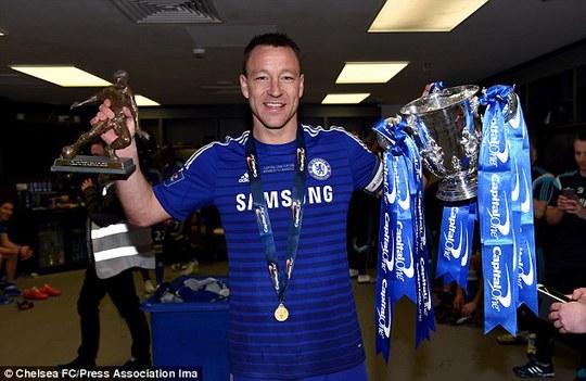 Terry nhận danh hiệu Cầu thủ xuất sắc nhất trận