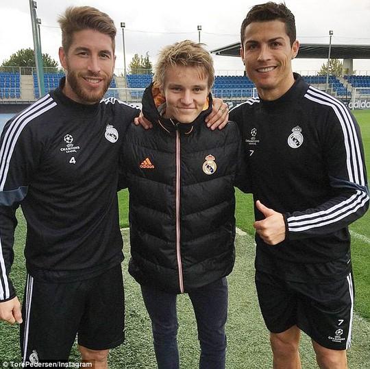 Odgaard, Ramos và Ronaldo