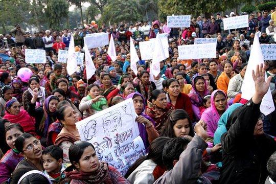 Nhiều người Nepal đã tuần hành phản đối vụ tấn công. Ảnh: Hindustan Times