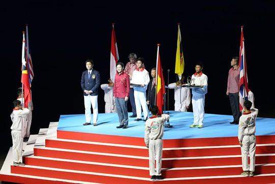 Chủ nhà Singapore tuyên bố bế mạc SEA Games 28