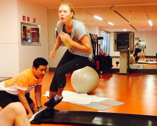 Sharapova đang tích cực tập luyện để bảo vệ chức vô địch Madrid Open