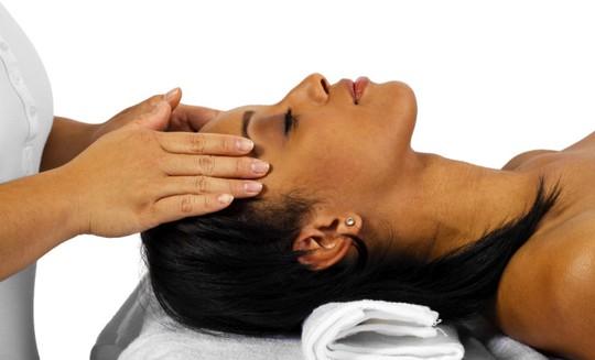 5 bí quyết đối phó với cơn đau đầu