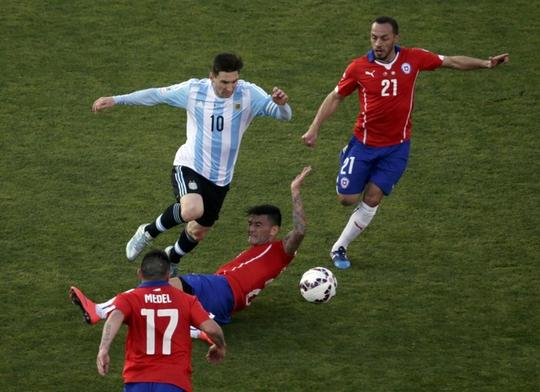 Messi tạm chia tay tuyển Argentina vì áp lực