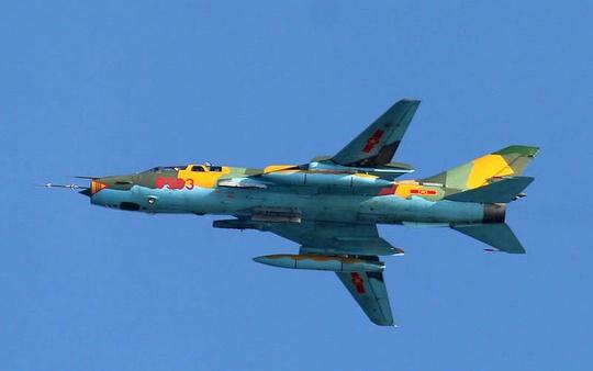 2 phi công Su-22 gặp nạn hầu như không còn khả năng sống sót