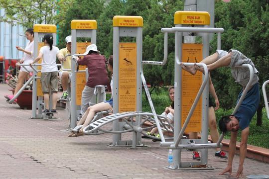 Vận động thể dục thể thao là cách tốt nhất để phòng tránh tăng mỡ máuẢnh: Hoàng Triều