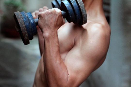 Nên vận động thể lực thích hợp để tăng thể tích cơ bắp, tránh lạm dụng thuốcẢnh: Hoàng Triều