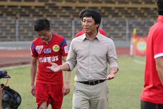 HLV Vũ Quang Bảo của Cần Thơ thất vọng sau trận
