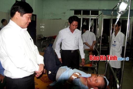 Lãnh đạo Sở Y tế thăm hỏi, động viên bệnh nhân