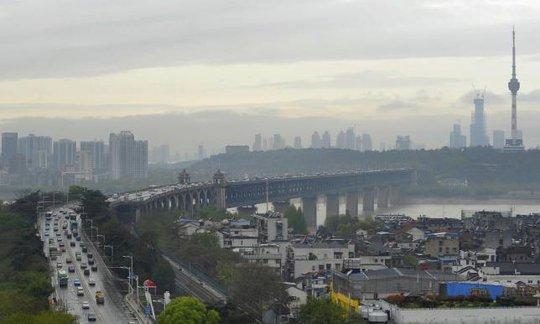 Khu vực dọc sông Dương Tử. Ảnh: Reuters