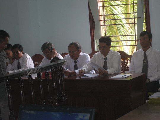 Đội ngũ luật sư bào chữa cho các bị cáo