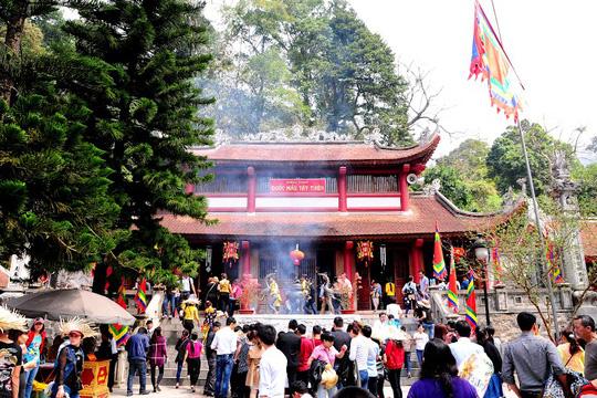 Một góc chùa ở Tây Thiên