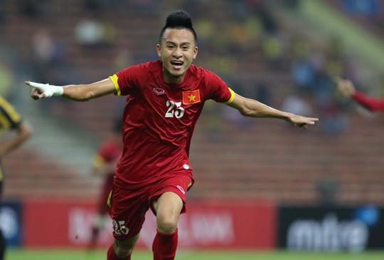 Vắng một tiền vệ năng nổ như Huy Toàn là tổn thất lớn cho Olympic Việt Nam