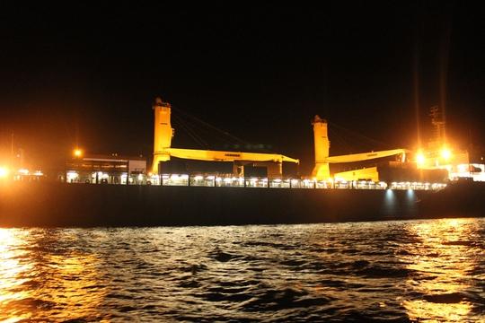Tàu Rolldock chở HQ 184- Hải Phòng về trong đêm 28-1.