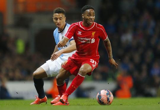 Sterling chơi hiệu quả trong màu áo Liverpool