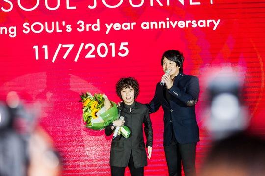 Thanh Bùi và học trò trong ngày khai trương sân khấu