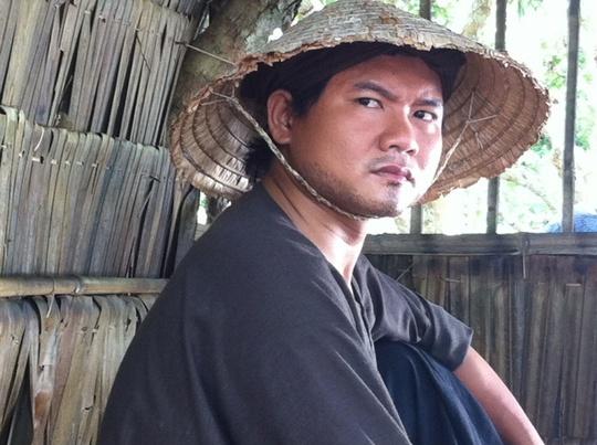 Thanh Tuấn trong vai Ba đen, phim Ngọn cỏ gió đùa
