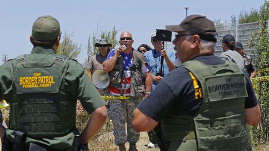 Nhân viên tuần tra biên giới tại TP Murrieta, bang California - MỹẢnh: AP