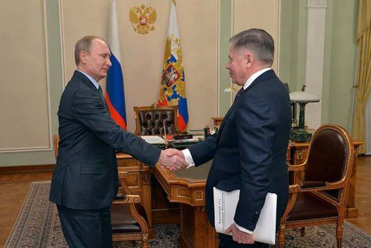Đài truyền hình nhà nước Nga phát hình ảnh Tổng thống Vladimir Putin (trái) tiếp Chánh án Tòa án Tối cao Vyacheslav Lebedev hôm 13-3Ảnh: KREMLIN.RU