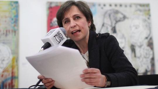 Chưa kịp lấy lại uy tín sau một loạt vụ bê bối liên quan đến bản thân và gia đình, Tổng thống Mexico Enrique Pena Nieto lại tiếp tục dính vào vụ lùm xùm liên quan đến việc sa thải nhà báo nổi tiếng Carmen Aristegui cùng 2 đồng nghiệp của bà là Daniel Lizarraga và Irving Huerta.