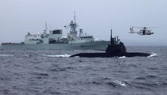 """Hơn 10 tàu chiến và 4 tàu ngầm của NATO tham gia cuộc tập trận đối ngầm """"Dynamic Mongoose"""" ở Na UyẢnh: NATO.INT"""