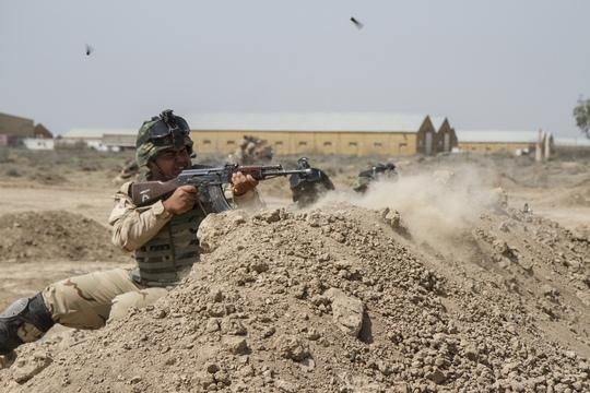 Binh sĩ Iraq được lực lượng Mỹ huấn luyện tại TajiẢnh: Reuters