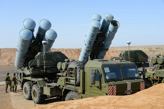 Lực lượng phòng không không gian Nga tham gia cuộc tập trận chiến thuật ở vùng Astrakhan, quân khu miền Nam, đầu tháng 4 năm nayẢnh: MINOBORONY.RF