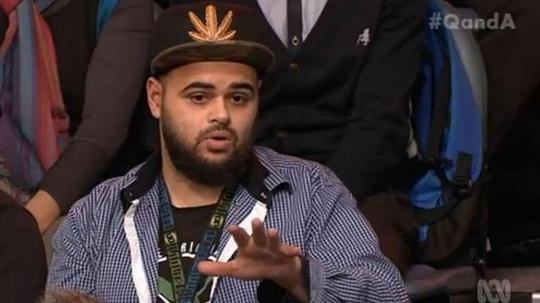Zaky Mallah đặt câu hỏi trong chương trình Q&A Ảnh: ABC