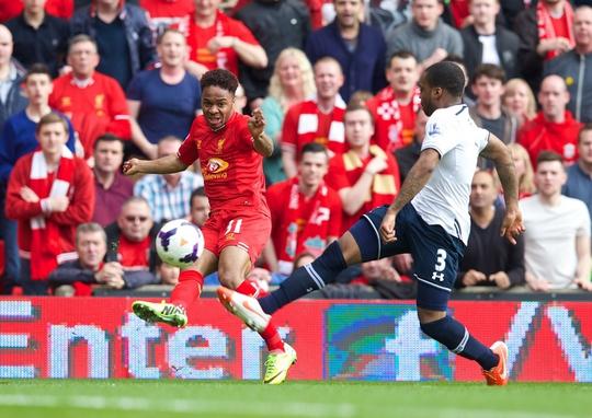 Liverpool hy vọng tốc độ của Sterling sẽ giúp họ lần thứ hai đánh bại TottenhamẢnh: REUTERS