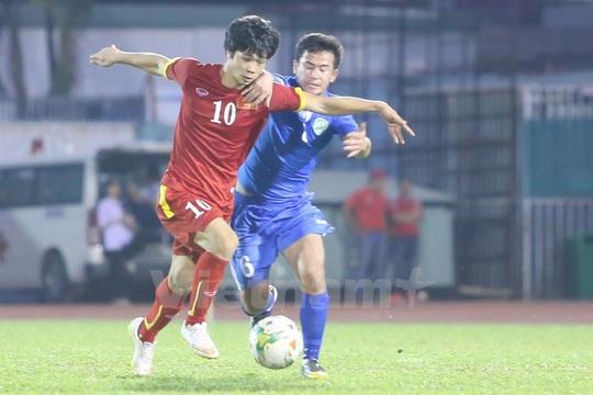 Công Phượng trong trận giao hữu thua Olympic Thái Lan 1-3 tối 22-3 Ảnh: Vietnam Plus