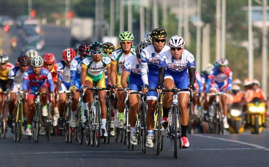 Mai Nguyễn Hưng (4) luôn được xem là cánh chim đầu đàn của xe đạp TP HCM