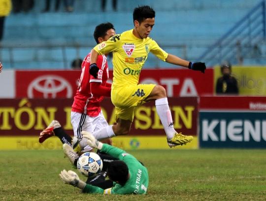 Văn Quyết của Hà Nội T&T trong trận lượt đi thắng Đồng Nai 2-0Ảnh: Hải Anh