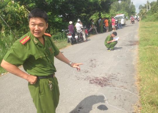 Thiếu tá Phan Nguyễn Tiến Nhật khi đang điều tra 1 trong 3 vụ giết người do Nguyễn Hoài Nam thực hiện