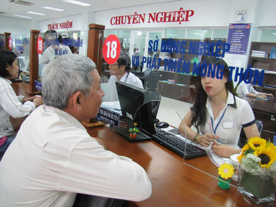 Người dân đến làm việc tại Trung tâm Hành chính TP Đà NẵngẢnh: HOÀNG DŨNG