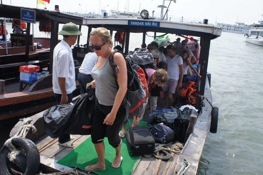 Nhiều vụ tai nạn xảy ra trên vịnh Hạ Long khiến du khách bất an