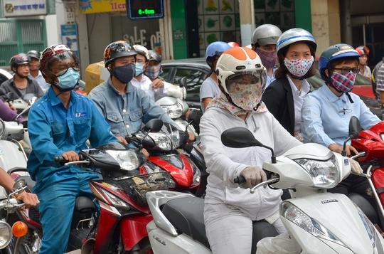 Bộ trưởng, Chủ nhiệm Văn phòng Chính phủ Nguyễn Văn Nên cho rằng một số đại phương đã thu phí sử dụng đường bộ đối với xe máy nhưng hiệu quả thấpẢnh: TẤN THẠNH