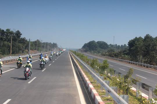 Một đoạn cao tốc TP HCM - Long Thành - Dầu Giây qua tỉnh Đồng Nai Ảnh: Anh Quân