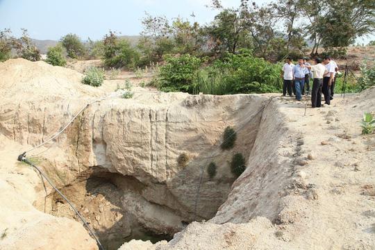 Nhiều giếng được nông dân tỉnh Ninh Thuận đào rất sâu nhưng vẫn không có nướcẢnh: LÊ TRƯỜNG