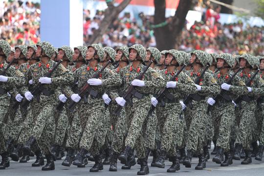 Khối đặc công tham gia duyệt binh, diễu hành trong đại lễ kỷ niệm 40 năm ngày giải phóng miền Nam, thống nhất đất nước vào sáng 30-4Ảnh: HOÀNG TRIỀU
