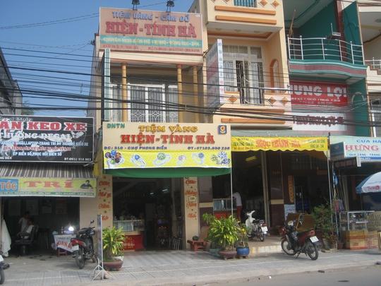 Tiện vàng Hiện- Tấn Hà đã mở cửa hoạt động trở lại vào sáng 8-1