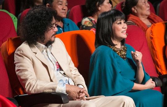 Vợ chồng ca sĩ Cẩm Vân