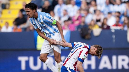 Dù rất cố gắng nhưng Toress không thê giúp đội bóng cũ cạnh tranh với ABrcelona và Real Madrid